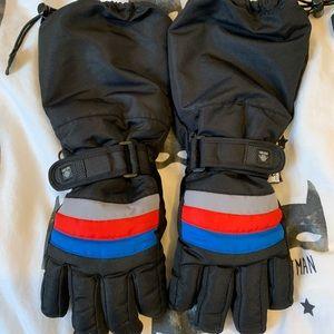 d15c05ea9 Other - 4/$15 Kids snow gloves